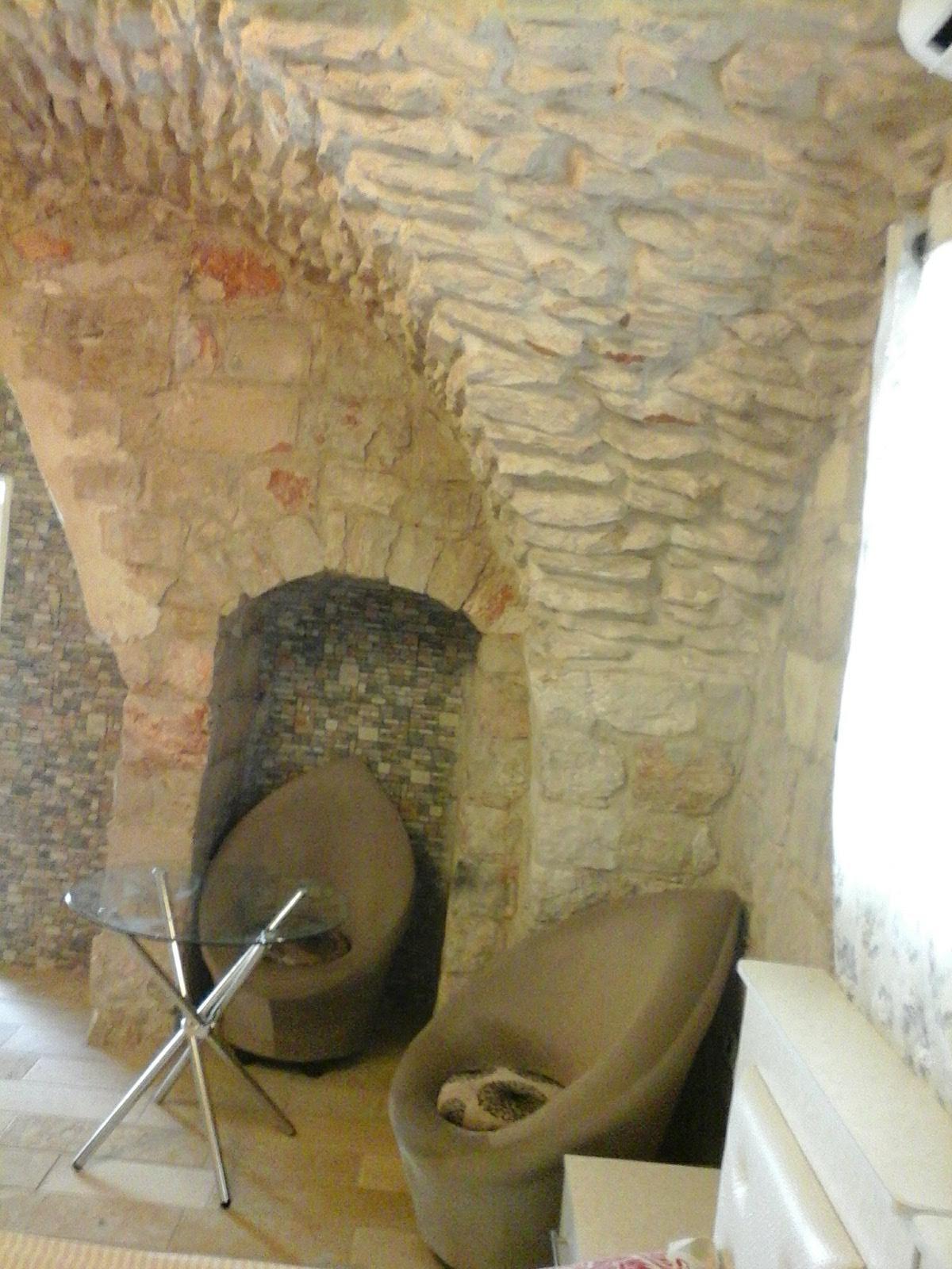 צימרמן צפת צימר לחרדים באווירה הקסומה בין סמטאות עיר העתיקה צימר חדש ויוקרתי, משלב סגנון עתיק ופסטורלי יחד עם יוקרה וחדשנות.
